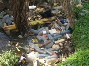 Carte postale : Douala otage des matières fécales