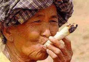 Un vieux chinois en action,hein!