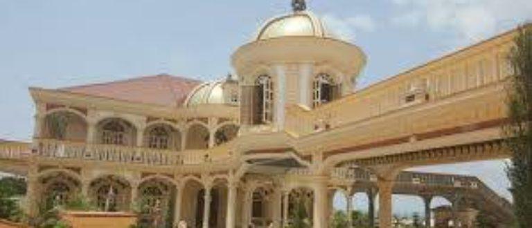 Article : Cameroun: logements sociaux, le business des barons